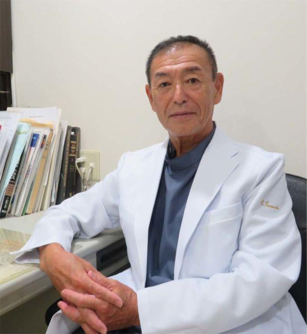 医師 岩﨑茂浩の写真